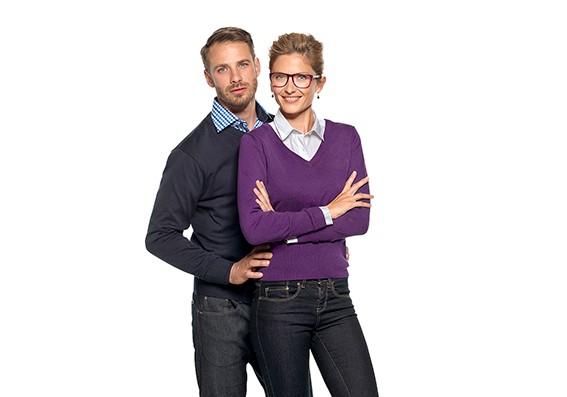 Bürobekleidung - Damen- und Herren-Strickpullover