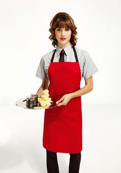 rote-Latzschürze-mit-Krawatte-Bedienung-Gastronomie