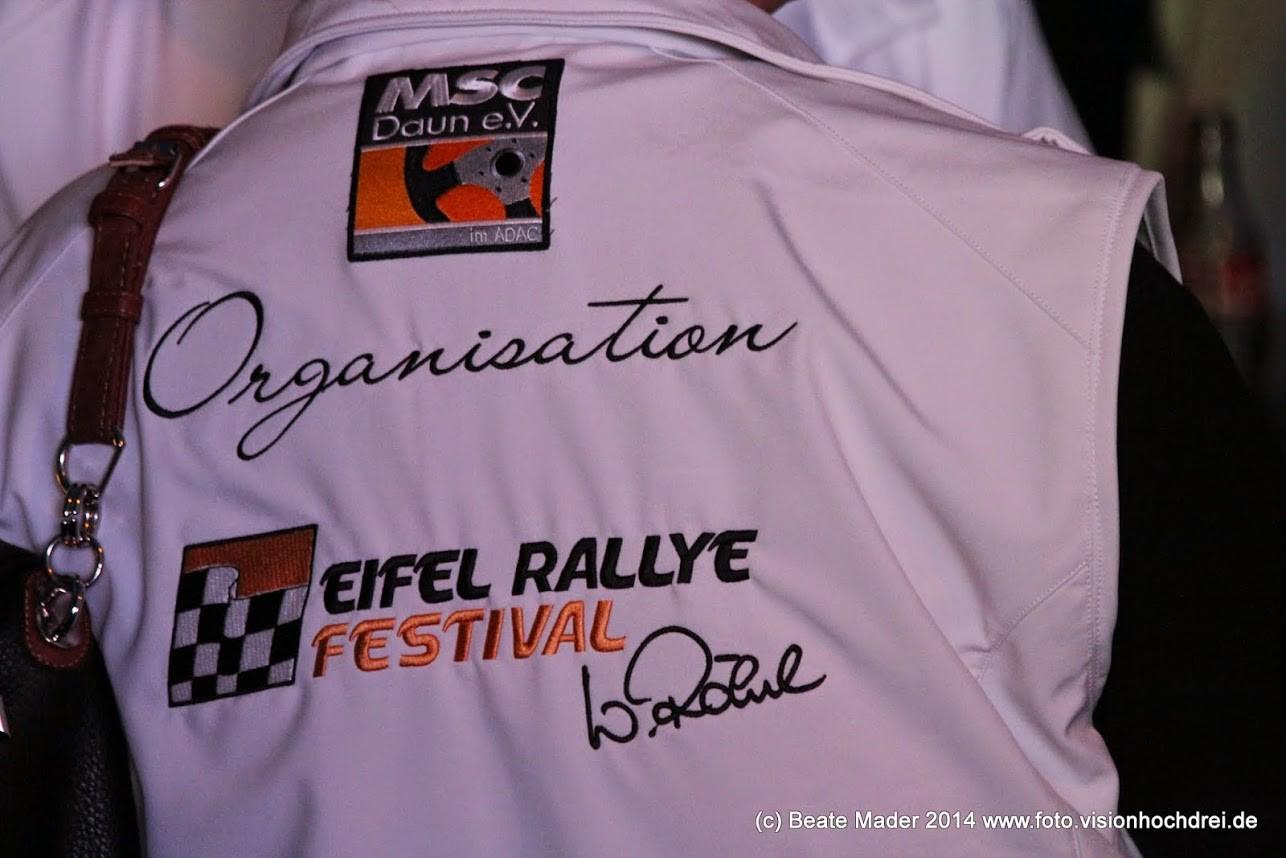 Eifel Rallye Festival: Softshellwesten mit Stickerei von KRAFTSTOFF